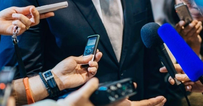 Phân biệt Communications và PR: Giống và khác như thế nào?