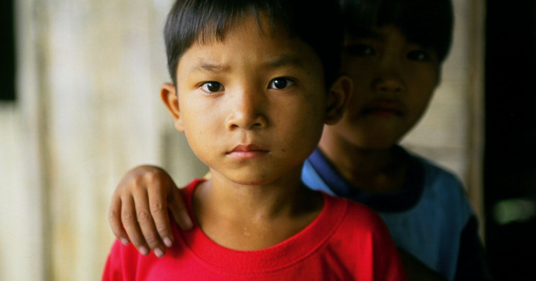 """""""Em không lẻ loi"""": Các tổ chức phi chính phủ tại Việt Nam phối hợp hỗ trợ trẻ em mồ côi vì COVID-19"""