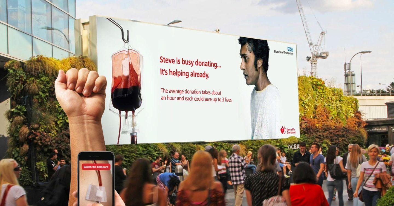 NHS quảng cáo DOOH truyền tải thông điệp kêu gọi hiến máu nhân đạo