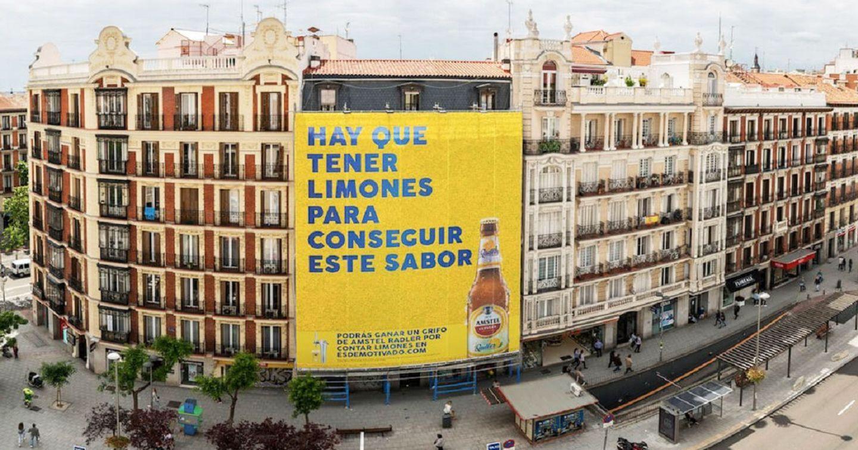 Bia Amstel Radler với billboard khổng lồ được làm từ 14.000 quả chanh