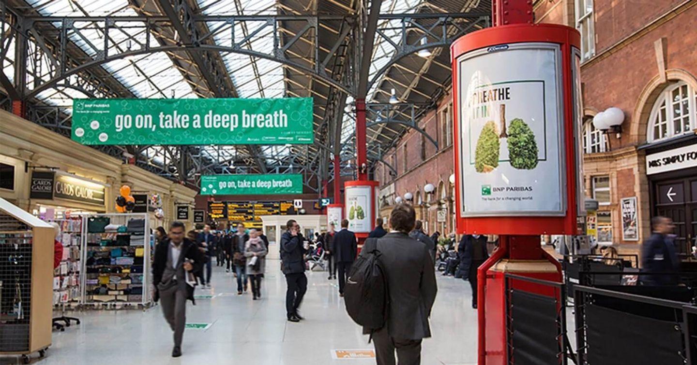BNP Paribas thiết lập hệ thống nhà chờ xe bus thanh lọc không khí ô nhiễm tại London