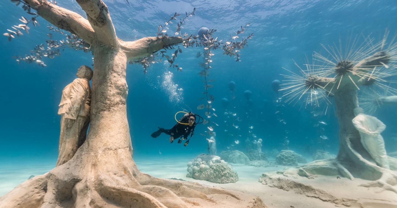 """""""Mãn nhãn"""" với bảo tàng nghệ thuật dưới nước đầu tiên ở Địa Trung Hải"""