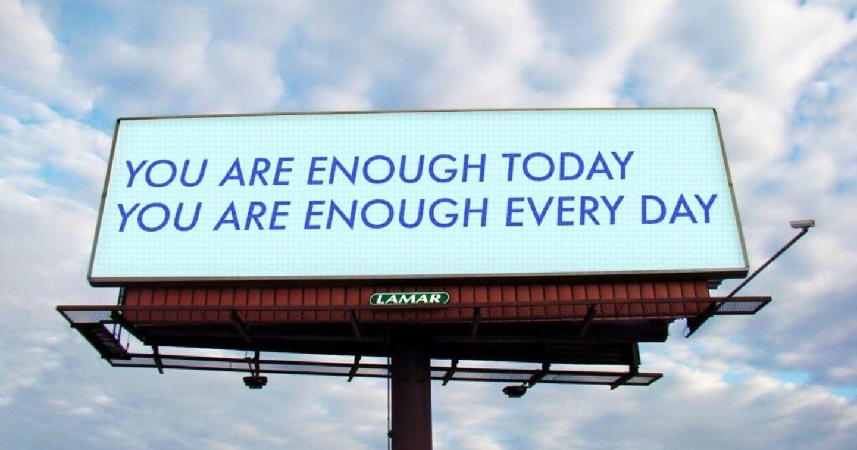 Nicole Leth lan tỏa những thông điệp sống tốt đẹp qua campaign quảng cáo OOH