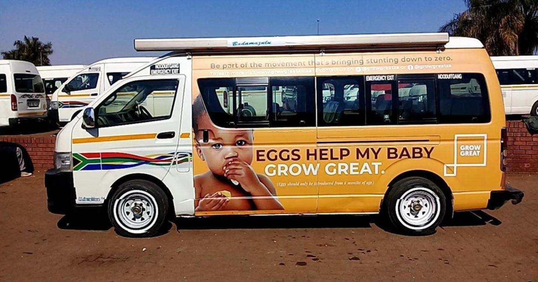 The Champions for Children nêu cao khẩu hiệu bảo vệ trẻ em qua campaign quảng cáo taxi