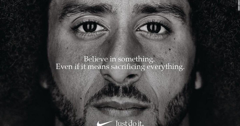 """Nike và """"phép thử"""" gây tranh cãi mang tên """"Colin Kaepernick"""""""