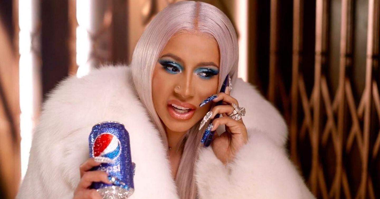 """Pepsi mời Rapper Cardi B đóng vai """"ông già Noel"""" trong quảng cáo Giáng sinh 2019"""